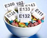 Milliste ainetega tänapäeval töödeldud toite tembitakse, seda võime kõik kenasti pakenditelt lugeda. Seda muidugi juhul, kui silm seletab ja kõik E-ained kenasti nime- ja nägupidi peas on. Kui palju me aga teame sellest, millest need E-ained tegelikult toodetud on? Kui palju oleme kuulnud nende kõrval- ja koostoimetest? Kas tead vältida E-ained, mis Sinu astmahaigele lähedasele suure tõenäosusega probleeme tekitavad? Kas oled teadlik, milline sünteetiline molekul Sinu toidus võib üleannustamisel hulgiskleroosi sümptomeid mimikeerida? Kas oled juhtunud toidupakendilt lugema hoiatust, et kui kannatad soolehaiguse käes, siis peaksid seda E-ainet kindlasti vältima, kui Sa just tõvesümptomite tugevnemist ei soovi?  E-ainetele ja toidupakendites leiduvatele toksiinidele pühendatud loengus räägime sellest, mida toidupoes kindlasti vältida ja kuidas oma keha igapäevaste valikutega toetada.