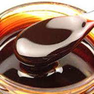 Kõige lihtsama määratluse järgi on melass suhkrutööstuse kõrvalprodukt – tegu on suhkru rafineerimisest järele jäänud siirupiga, mis on väga tiheda toitainelise profiiliga, sisaldades rohkem kui 80 erinevat toitainet. Mineraalidest on melassis rikkalikult kaltsiumi, magneesiumi, mangaani, rauda, vaske, seleeni ja kaaliumit, mis teeb sellest suurepärase lisandi väga paljude erinevate terviseprobleemide puhul. Melass sisaldab ka rohkelt B-vitamiine, […]
