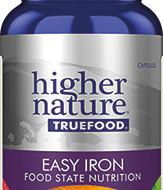True Food Easy Iron on saadud fermenteeritud toidupärmile (Saccharomyces cerevisiae)aktiivsete komponentide lisamise teel. Nii saadakse raualisand, mis on parima imenduvuse ja biosaadavusega ning mis ei tekita seedevaevusi. Raud aitab vähendada väsimust ja kurnatust ning soodustab normaalset energiatootmist.