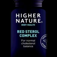 Punane fermenteeritud riis on saadud riisi punase pärmiga töötlemisel (peale fermentatsiooni lõppu pärm inaktiveeritakse). Fermenteeritud punast riisi on kasutatud Hiinas toiduna juba aastasadu selle tervistavate omaduste tõttu.  Vähemalt 0,8 g taimsete steroolide tarbimine päevas aitab säilitada normaalset kolesteroolitaset  E-vitamiin aitab kaitsta rakke oksüdatiivse stressi eest